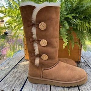 Bailey Button UGG boot, NWOT, Sz 10, tan